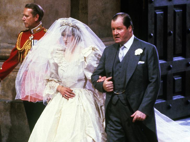Фото №4 - Папины дочки: самые трогательные фото королевских невест с отцами