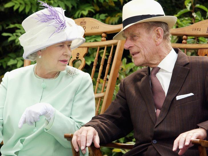 Фото №1 - Дурной тон: самая невежливая привычка принца Филиппа