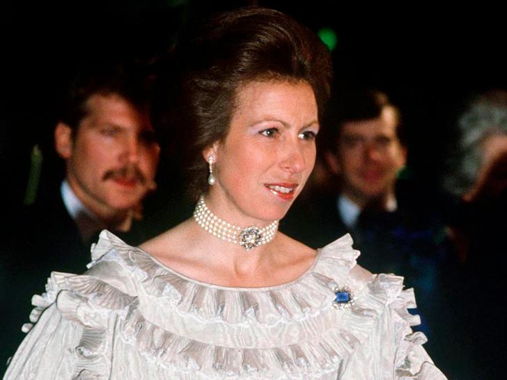 Фото №1 - Принцесса без образования: почему Анна— единственная из детей Королевы, кто не учился в колледже