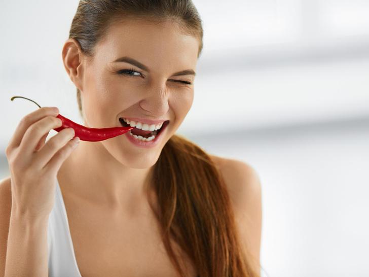 Фото №1 - Чудо-пряности: 6 плюсов острой еды для здоровья и настроения