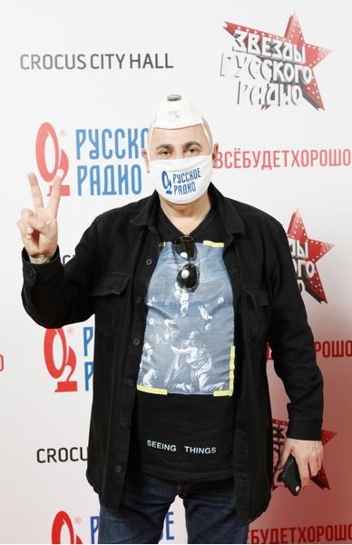 Фото №1 - «Дышать невозможно, жить не хотелось»: Иосиф Пригожин вспомнил, как переболел свиным гриппом, и дал свой прогноз по пандемии