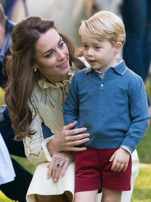 Фото №5 - Общий гардероб: 10 раз, когда Джордж, Шарлотта и Луи носили одежду друг друга