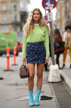 Фото №13 - С чем носить мини-юбки: 8 стильных сочетаний на любой случай