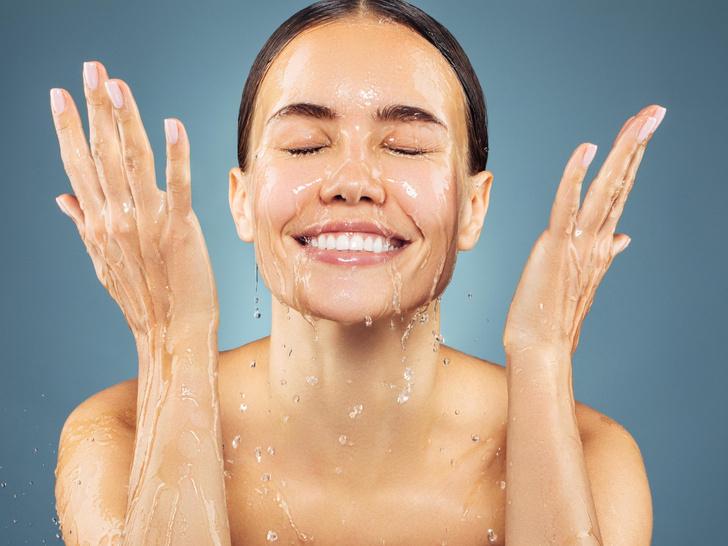 Фото №1 - Полный гид по чистке лица: виды и рекомендации по типам кожи