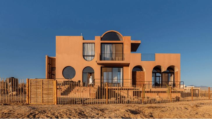 Фото №1 - Бетонный дом с видом на океан в Мексике