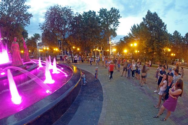 Уфа, фонтан «Семь девушек»