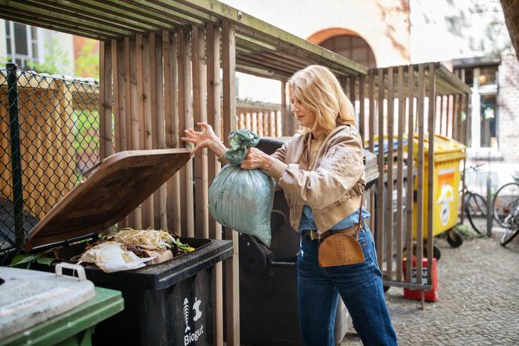 Фото №1 - Старый ковер и рыболовные сети: почему стоит обратить внимание на одежду из мусора прямо сейчас?