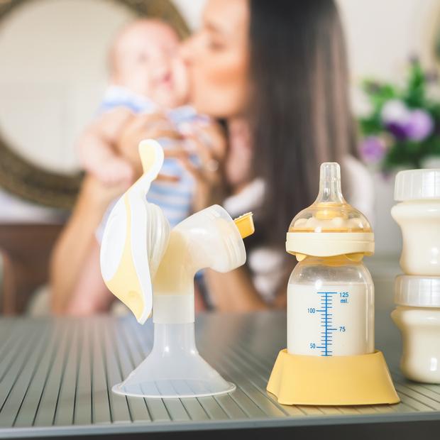 Фото №4 - Как хранить сцеженное грудное молоко: 6 важных правил