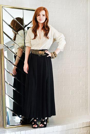 Джейн, заполнив анкету, отправила на сайт молодежного Vogue свои фотографии. Ее стиль оценили. Так просто ее лицо стало узнаваемым в определенных кругах.