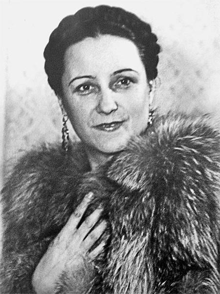 Фото №5 - Прима Большого и тайная любовница Сталина: кого сыграет Бузова на сцене МХАТ?