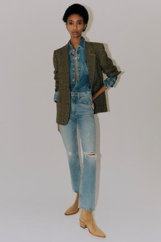 Фото №20 - Какие джинсы будут в моде весной и летом 2021