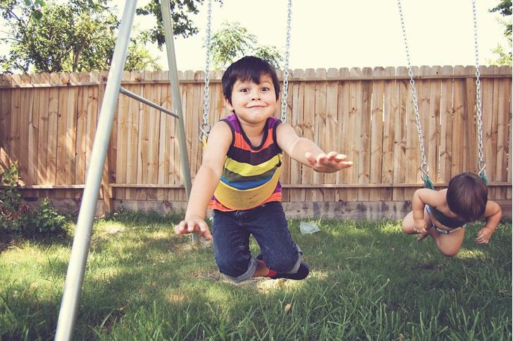 детская жестокость, ребенок убивает насекомых что делать