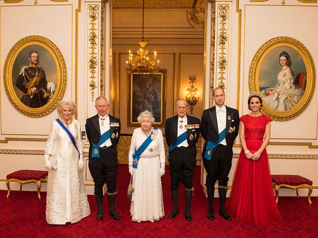 Фото №4 - 200-летняя традиция, которую нарушит принц Чарльз, когда станет королем