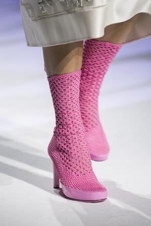 Фото №2 - Самая модная обувь весны и лета 2021: советы дизайнеров