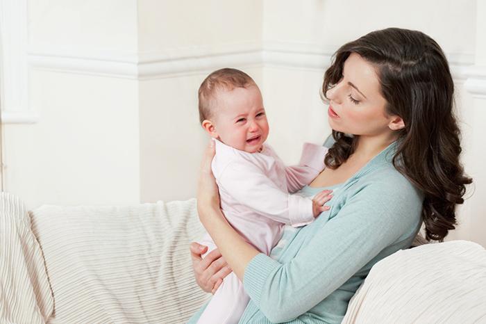 Фото №1 - Помощь при обострении колик у малыша