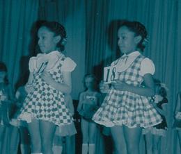 Фото №2 - «Я свободна! Сестра отдала мне свою жизнь»: мистическая история близнецов Джун и Дженнифер Гиббонс