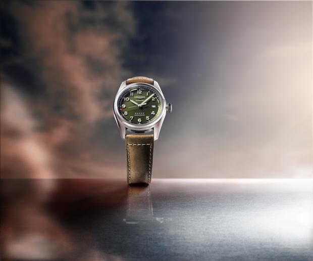 Фото №3 - Часы-легенда: теперь Longines Spirit доступны и в зеленом цвете