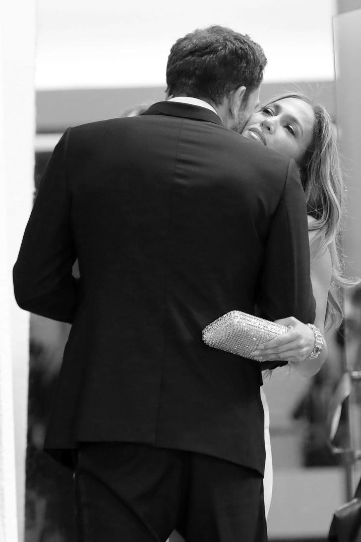 Фото №1 - Любовь Дженнифер Лопес и Бена Аффлека в восьми фотографиях в Венеции