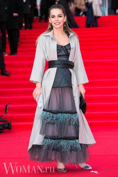 Фото №1 - Анна Хилькевич получила публичную критику своего наряда от дизайнера Маши Цигаль