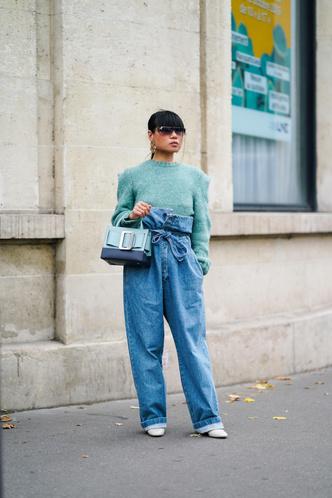 Фото №2 - 5 способов модно подвернуть джинсы в 2020 и 2021 году