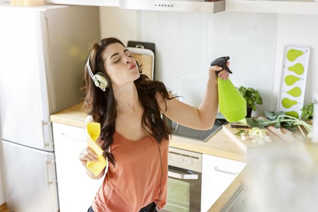 Как быстро убраться в квартире: советы, примеры, лайфхаки