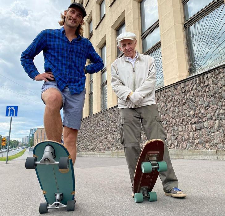 Фото №1 - В Интернете набирает популярность видео с 73-летним скейтером из Санкт-Петербурга