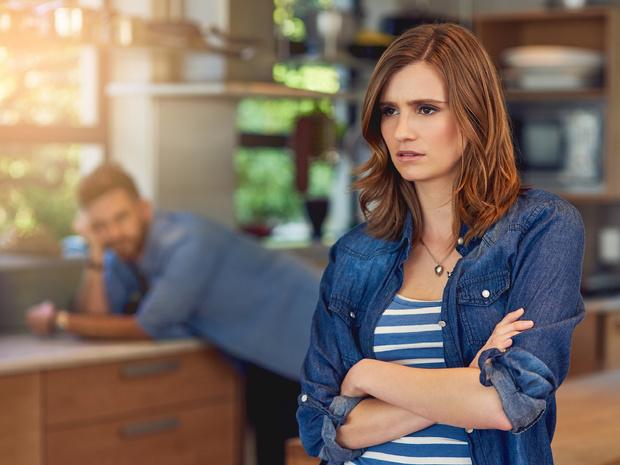 Фото №1 - Это не любовь: 6 «романтических» поступков, которые должны вас насторожить