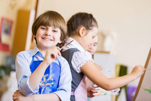 Фото №1 - Внешкольные занятия: какие и зачем они нужны ребенку и вам