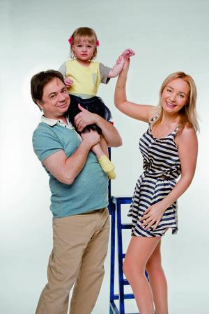 Фото №1 - Андрей Леонов, Анастасия и Аня: Папина дочка