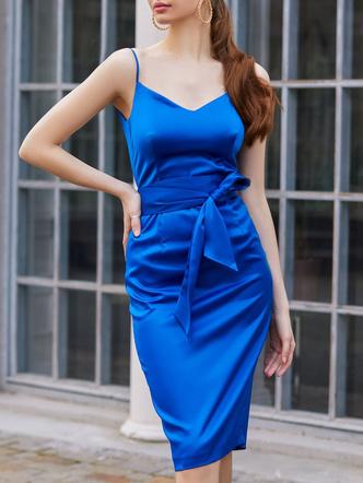 Фото №7 - Выбросить и забыть: 10 платьев, которые безнадежно устарели