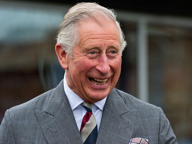 Фото №1 - Как Виндзоры поздравили принца Чарльза с днем рождения (и чем снова отличились Сассекские)