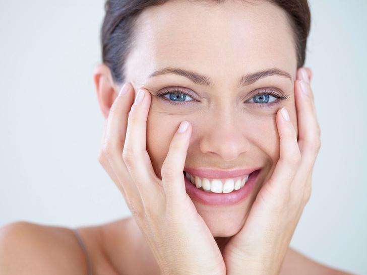 Фото №1 - 8 бьюти-привычек, с которыми вам больше не потребуется макияж