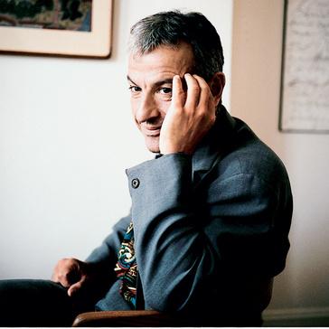 Серж Эфез (SERGE HEFEZ) – французский психоаналитик, сотрудник психиатрической службы помощи детям и подросткам парижской клиники PITIE'-SALP.