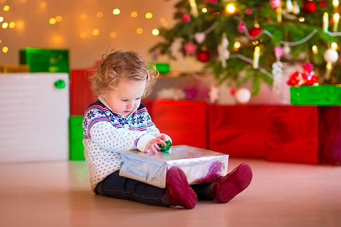 Фото №1 - Что подарить на Новый год ребенку, у которого «все есть»