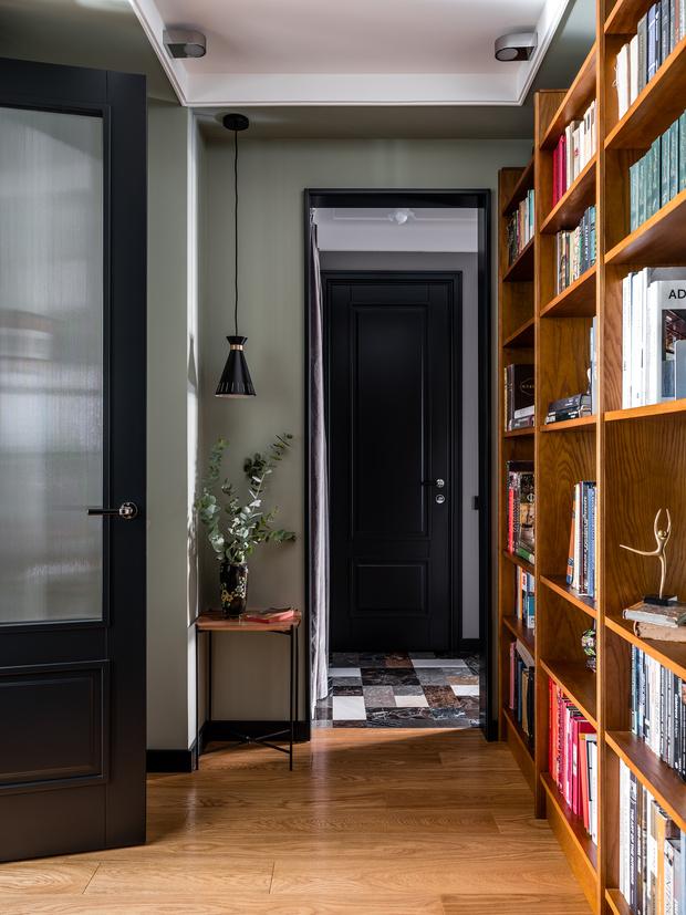 Фото №5 - Квартира с винтажной и дизайнерской мебелью в сталинке