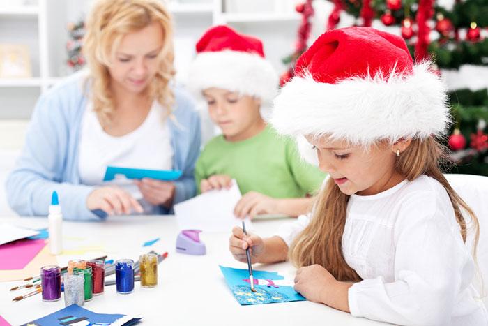 Фото №2 - Новогодняя мастерская: идеи декора для детей и их родителей