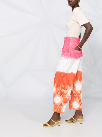 Фото №16 - Самые трендовые джинсы сезона весна-лето 2021: собрали 11 пар, которые украсят ваш гардероб
