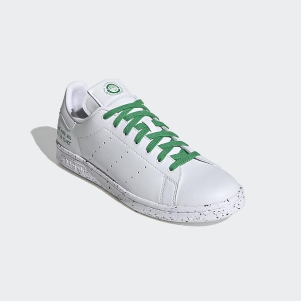 Фото №4 - Кроссовки недели: экологичные adidas Clean Classics