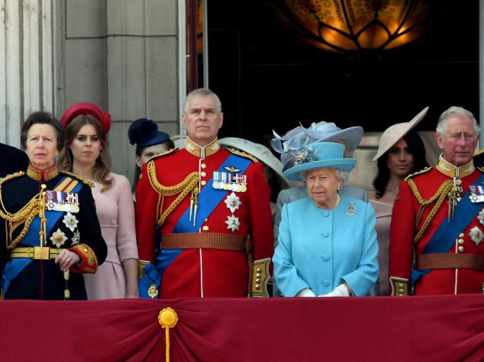 Фото №3 - Угроза монархии: как Виндзоры отреагировали на новые обвинения в адрес принца Эндрю