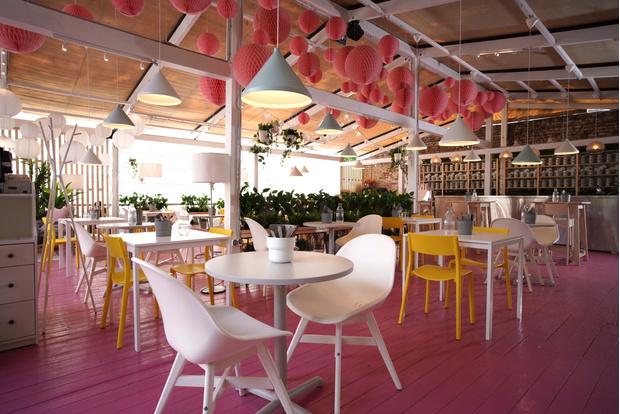 Фото №2 - Летняя pop-up веранда Eggsellent в ресторане «Фаренгейт» от дизайнеров ИКЕА
