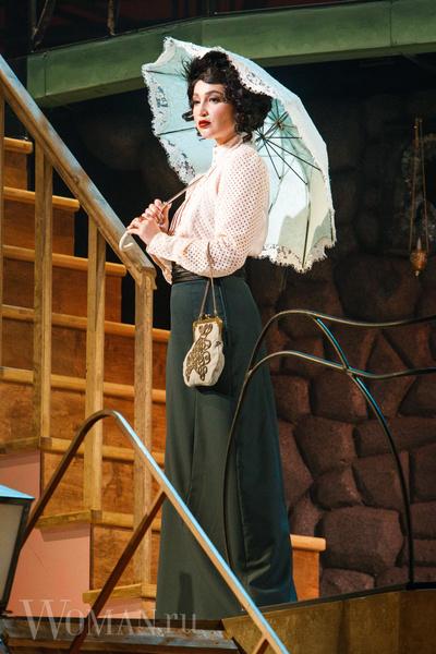 Фото №3 - Никита Михалков предложил Бузовой работать билетершей в театре вместо того, чтобы играть на сцене