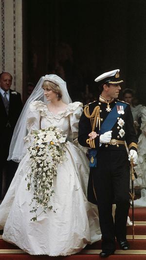 Фото №3 - Свадебная традиция Виндзоров, которую нарушили Кейт и Диана