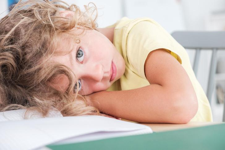 Фото №2 - Мамин хвостик: 5 признаков, что ребенок к вам слишком привязан, и чем это плохо