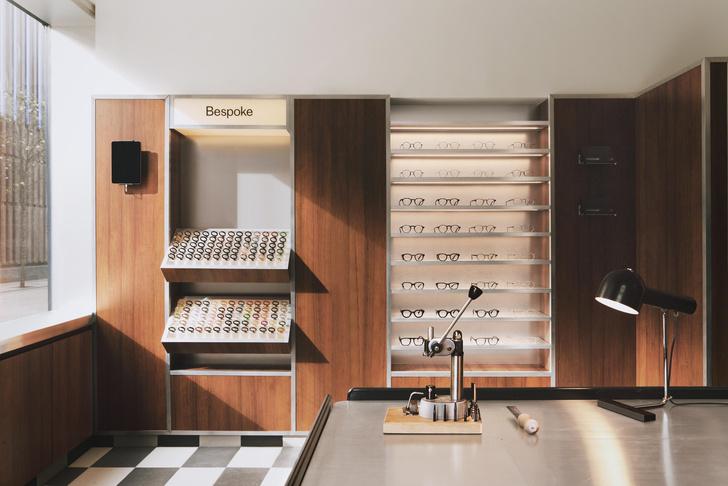 Фото №6 - Бутик оптики с винтажной мебелью в Лондоне