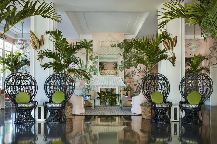 Фото №7 - Обои de Gournay в обновленном отеле Colony во Флориде