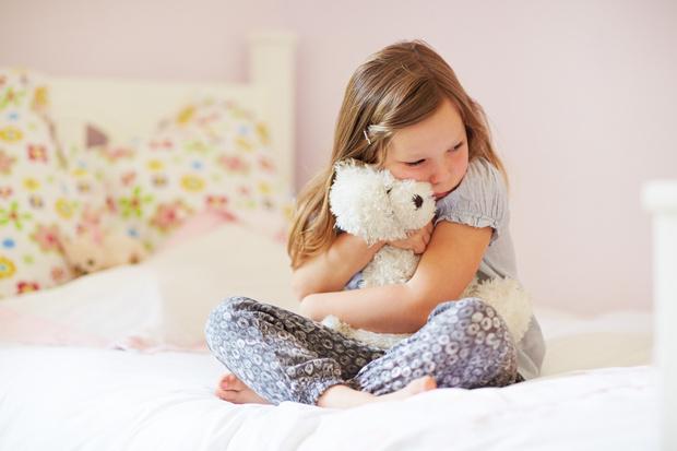 Ребенок кусает губы причины, у ребенка стресс что делать