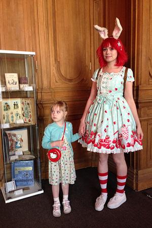 Фото №5 - На выставке «Алиса в стране чудес» проходят необычные квесты