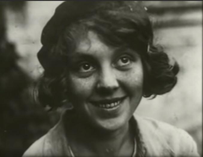 Фото №1 - «Я чайка»: все о Валентине Караваевой— актрисе, которая из-за шрама на лице не могла играть в кино, сбежала от мужа-миллионера и сошла с ума