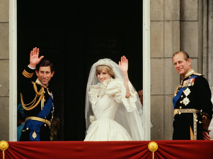 Фото №3 - Кошмар принцессы: чем принц Филипп угрожал Диане после выхода ее скандальной биографии