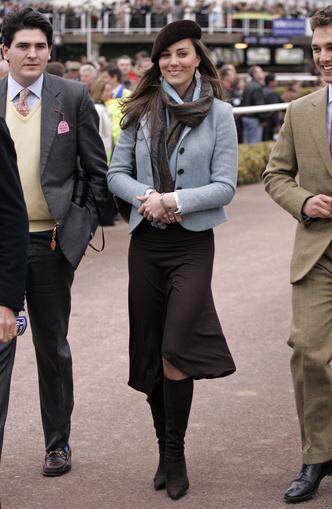 Фото №17 - Десять лет во дворце: как Кейт Миддлтон навсегда изменила королевский стиль